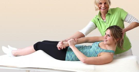Spezielle Handgriff- und Bewegungstechniken zur Behandlung von Gelenk-Funktionsstörungen.